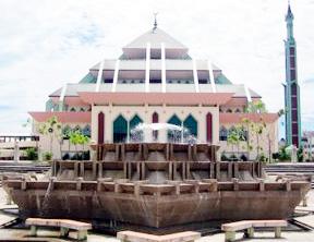 sisi-lain-masjid-raya-batam-centre.jpg